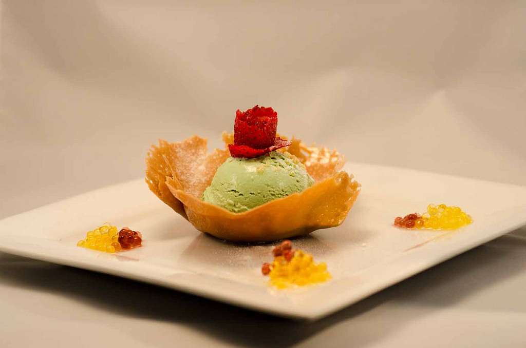Green Tea Ice Cream in Caramel Tuile KCI_4172